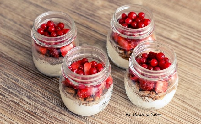 DIY Candy Bar : Petits pots aux fruits rouges