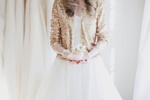 mariée hiver, cardigan mariée, mariée gilet, que mettre sur sa robe de mariée