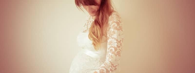 Se marier enceinte : 5 conseils de style pour acheter sa robe