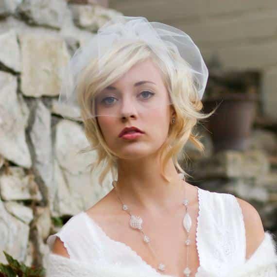 mariée cheveux courts accessoire voilette